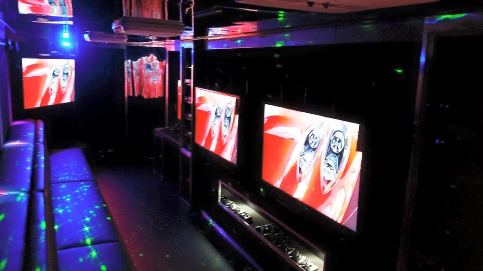 Birthday Party In Edmonton Sherwood Park St Albert Video Game Truck Trailer